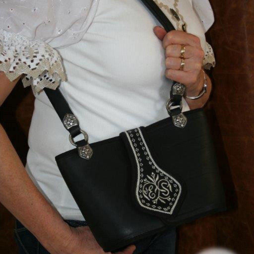 Kleine, schwarze Handtasche