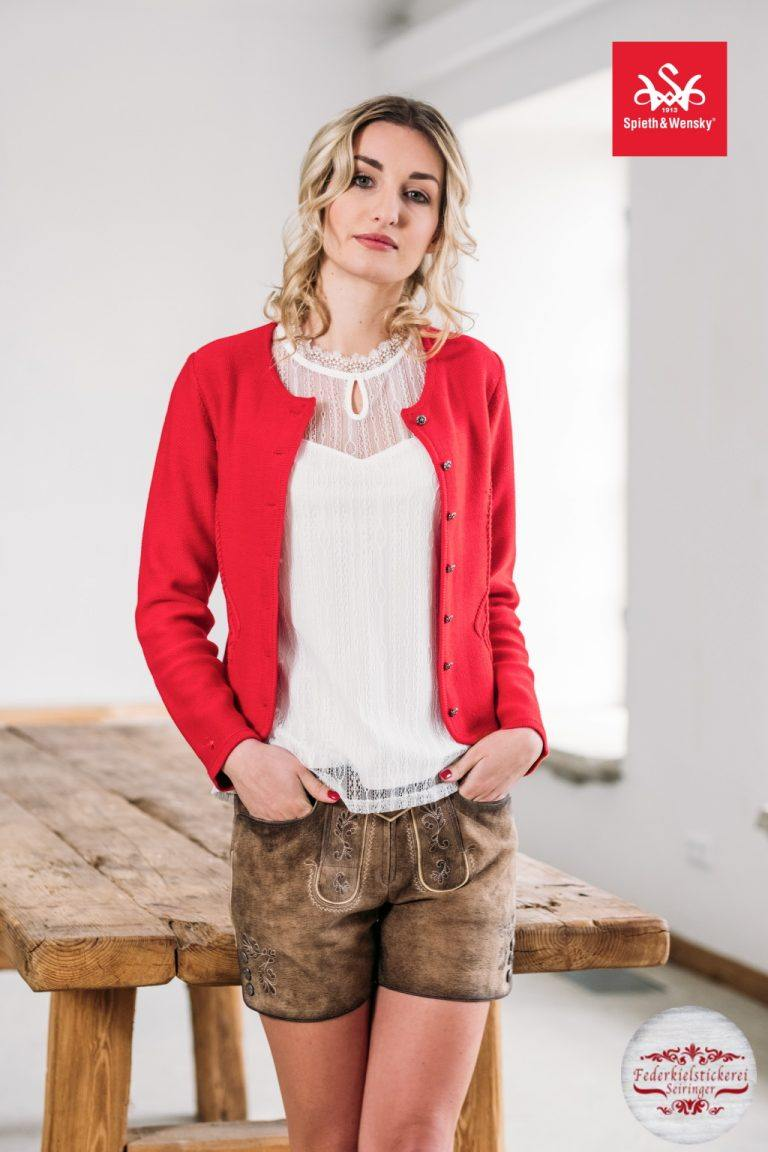 Schöne Blusen und Jacken