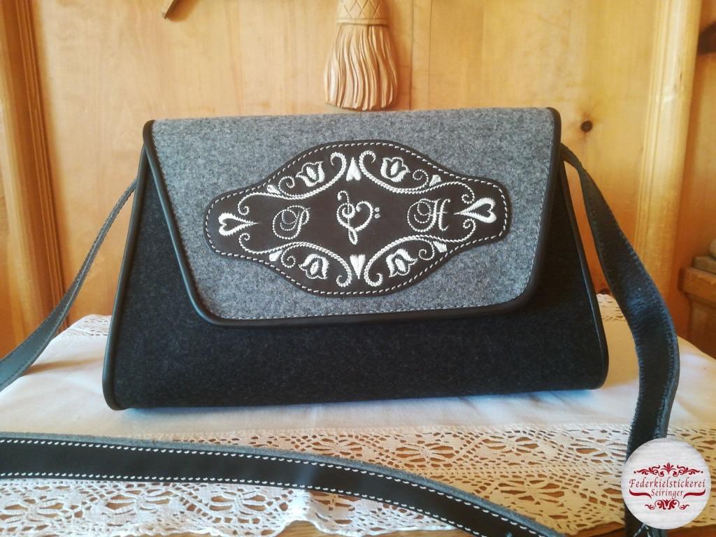 Handtasche mit Notenschlüssel