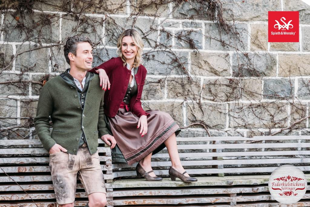 Als Paar perfekt gekleidet