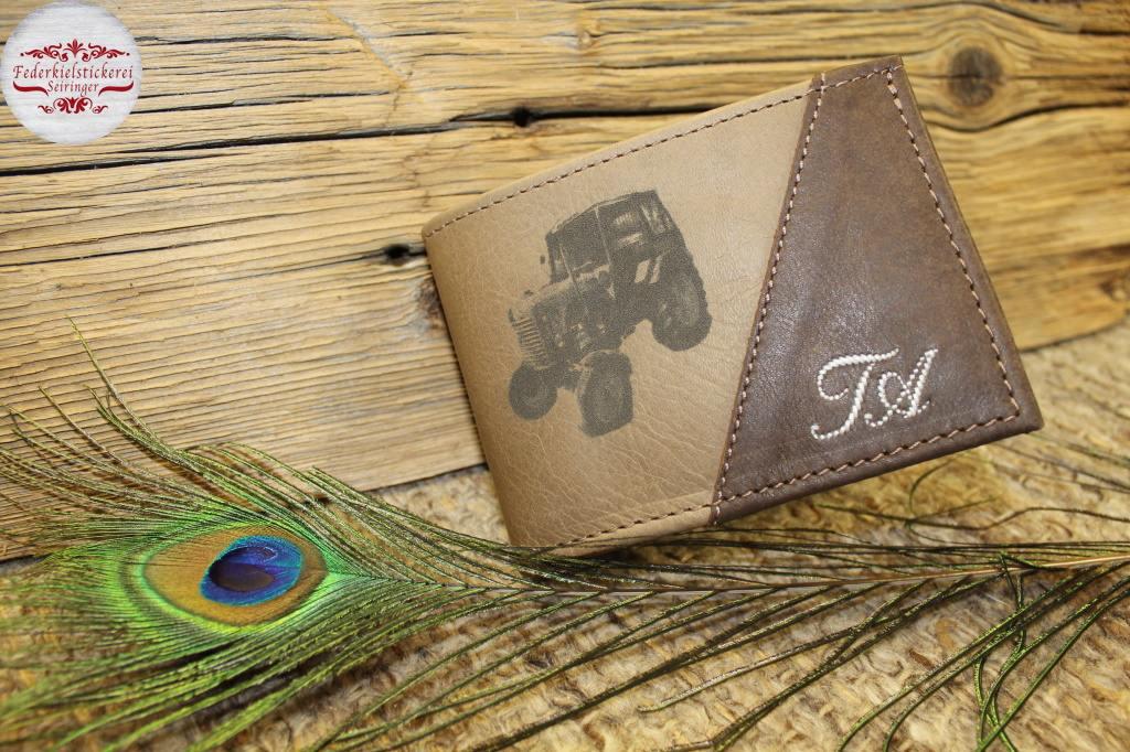 Geldtasche mit gelasertem Traktor